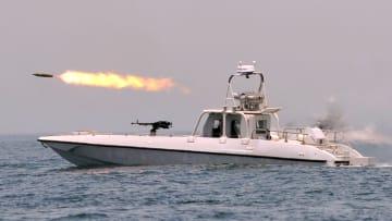 شاهد.. مناورات عسكرية بين إيران وروسيا والصين في خليج عُمان