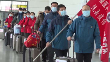 """التناقض بين التغطية في الصين لفيروس كورونا والواقع """"المرير"""""""