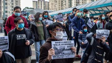 """""""بإغلاق تام""""..هكذا يعيش الناس بمناطق في الصين مع تفشي كورونا"""