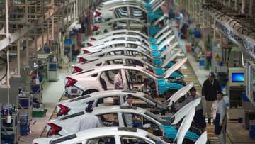 كيف أثر فيروس كورونا الجديد على قطاع صناعة السيارات؟