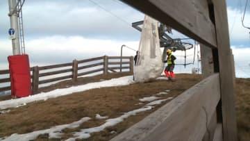 منتجع تزلج فرنسي ينقل الثلوج بالطائرة بسبب ارتفاع درجة الحرارة