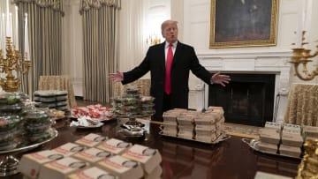 طبيب دونالد ترامب كان يضع القرنبيط سرا لتحسين حمية الرئيس الأمريكي