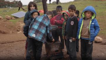إدلب.. مدارس تقصف وطفولة تسرقها طائرات النظام السوري وروسيا
