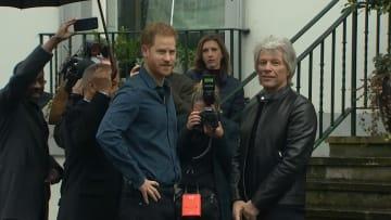 الأمير هاري يعود لبريطانيا للمشاركة في تسجيل أغنية مع بون جوفي