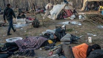 محاولات عبور الحدود التركية اليونانية وسط تصاعد أزمة اللاجئين
