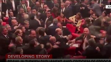 بسبب سياسة أردوغان حول سوريا.. شجار واشتباك في البرلمان التركي
