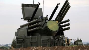"""بعد أن دمرتها تركيا بسوريا تعرف على منظومة """"بانتسير"""" الروسية"""
