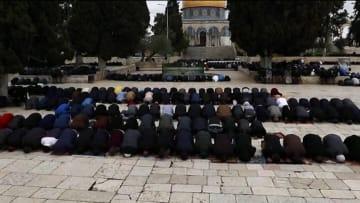 إغلاق المسجد الأقصى وأماكن مقدسة أخرى.. كيف يؤثر فيروس كورونا على طريقة الصلاة والعبادة؟