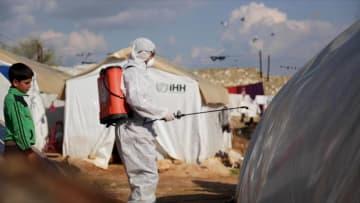 """""""تسونامي"""" تفشي فيروس كورونا في مخيمات اللاجئين بسوريا يثير مخاوف أطباء"""
