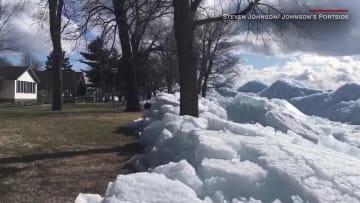 شاهد.. ألواح جليدية ضخمة تتحرك نحو منازل مينيسوتا