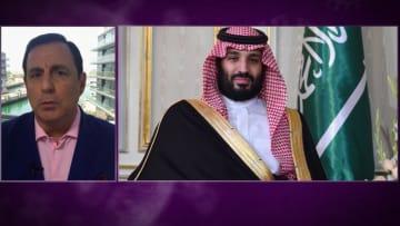 """السعودية تعتمد إجراءات تقشفية جديدة.. وطيران الإمارات تستعد لـ""""الفترة الأسوأ"""""""