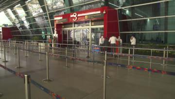 مع استمرار ارتفاع عدد حالات الإصابة بفيروس كورونا.. الهند تعيد فتح السفر الجوي الداخلي
