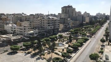 بعد اكتشاف 4 إصابات بكورونا من عائلة واحدة.. شاهد شوارع غزة الخالية