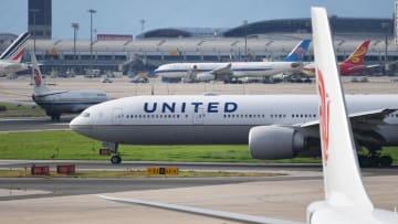 """رئيس الخطوط الجوية المتحدة: ما تواجهه صناعة الطيران حالياً """"مريع"""""""