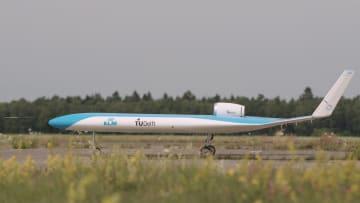 """شاهد تحليق النموذج الأولي للطائرة """"Flying-V"""" التي ستحمل الركاب في جناحيها"""