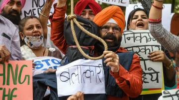 في قضية أثارت احتجاجات.. الشرطة الهندية تستبعد الاغتصاب بعد مقتل امرأة