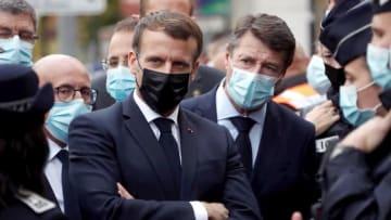 ماكرون يزور موقع هجوم نيس: لن نستسلم للإرهاب