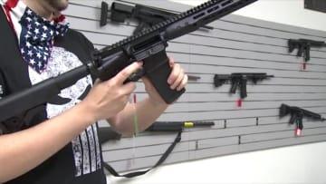 ارتفاع هائل في مبيعات الأسلحة في أمريكا.. والسبب؟