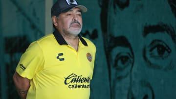 وداعا مارادونا.. اللاعب الوحيد الذي جلب كأس العالم بمفرده