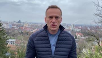 في تحد لبوتين.. نافالني يعلن تاريخ عودته إلى روسيا رغم تعرضه للتسميم