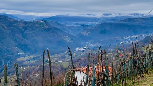 رحلة عبر الزمن في بلدة إيطالية لا يعرف طريقها سوى القليل من السياح