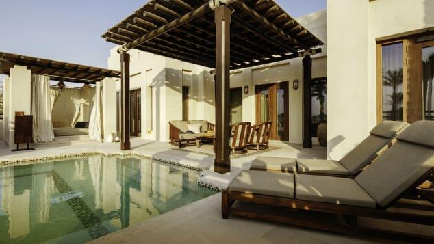 منها العاصمة أبوظبي.. هذه أفضل 10 فنادق ستجعلك تستمتع بإقامتك فيها