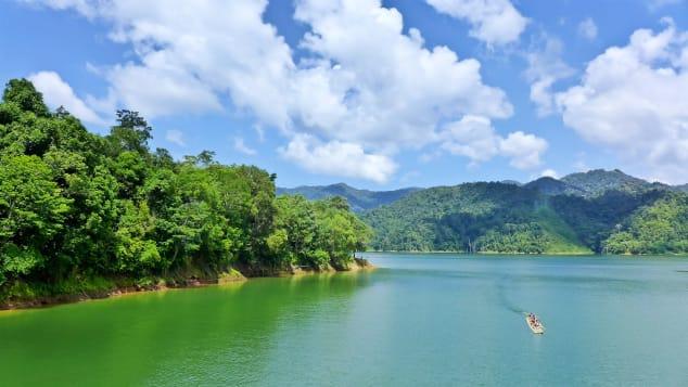 هل لديك الجرأة الكافية لخوض رحلة في أقدم الغابات الاستوائية بماليزيا؟