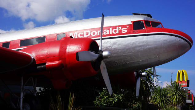 من طائرة إلى مطعم.. إليك أسماء 8 طائرات تم تحويلها إلى مطاعم