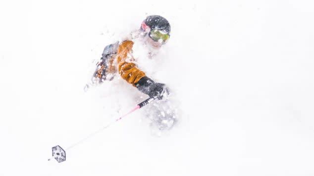تجربة التزلج وسط تفشي كورونا