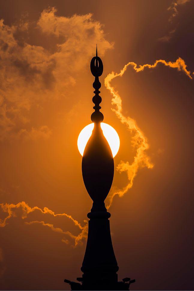 استكشف الجوانب المخفية للمسجد النبوي من عدسة هذا السعودي