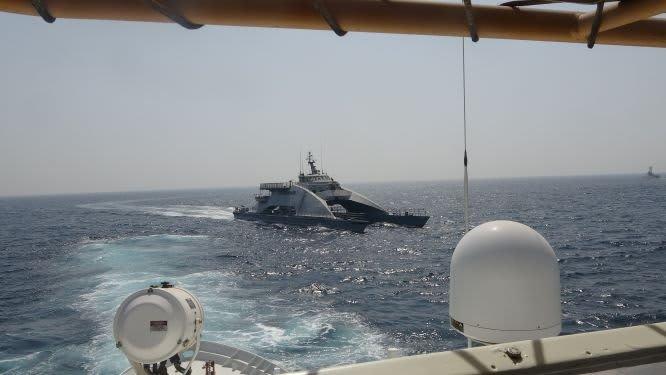 واشنطن تنشر صورا لسفن إيرانية ضايقت قطعتين بحريتين أمريكيتين بالخليج
