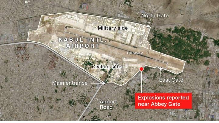 """بعد تحذير من هجمات """"وشيكة"""".. مراسلة CNN توضّح أين وقع هجوم مطار كابول"""