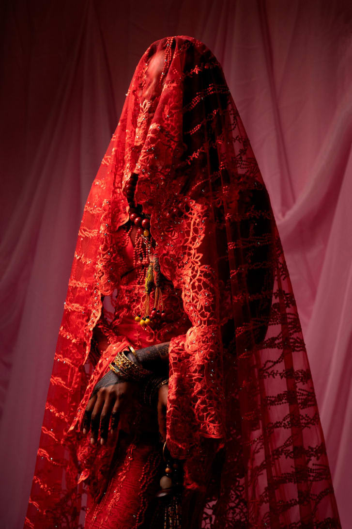 صور لعرائس نيجيريات تبوح بخبايا العادات المختلفة لكل قبيلة