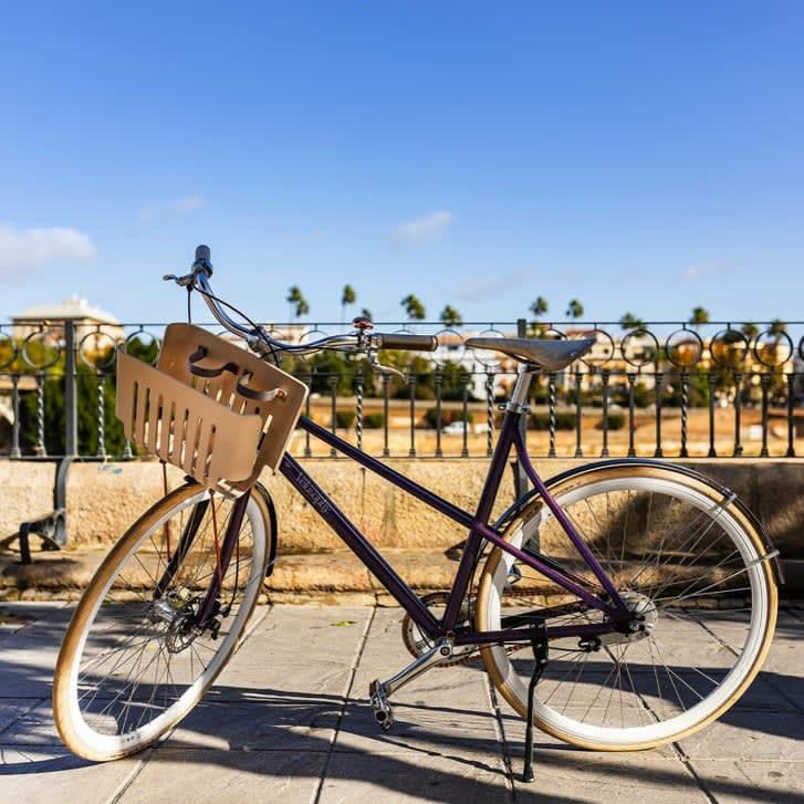 """دراجات بنكهة القهوة.. هذه الدراجات الهوائية مصنوعة من كبسولات """"نسبريسو"""" معادة التدوير"""