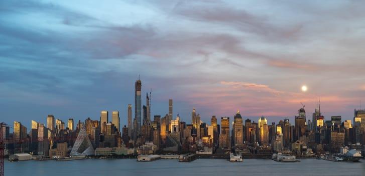 بأكثر من 4200000 صورة.. هذا المصور يوثق 30 عام من التصوير المتقطع لأفق نيويورك