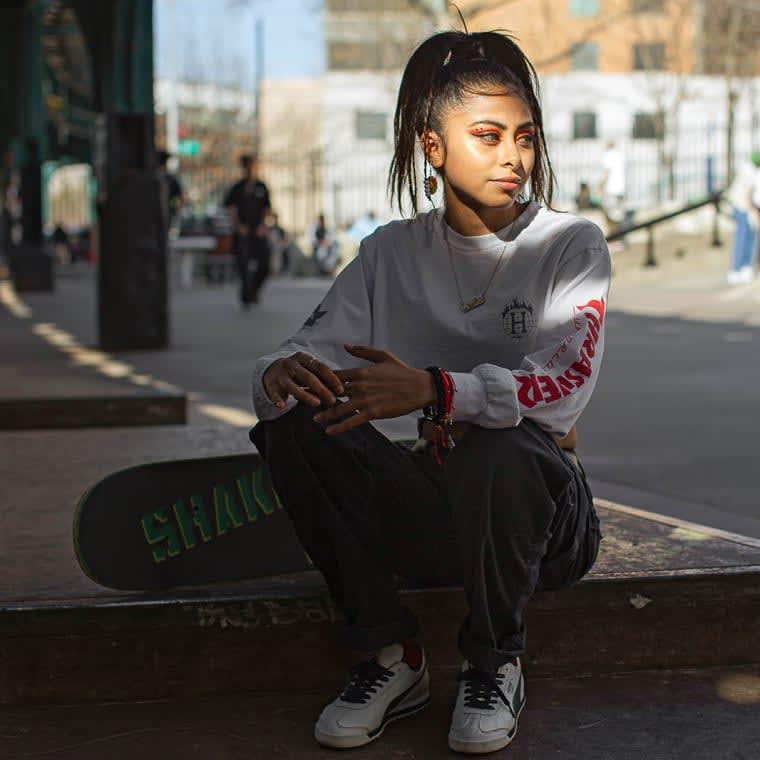 مصورة تبرز مشاهد غير مألوفة للمتزلجين على الألواح في نيويورك