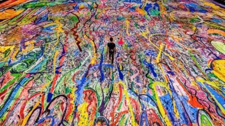 201105031139-3-sacha-jafri-largest-painting-dubai-spc-intl.jpg