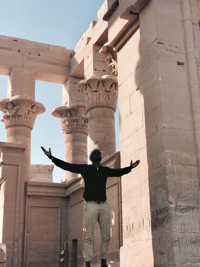 """""""رواية رومانسية"""" بدأت في كيب تاون وانتهت في القاهرة.. فما قصتها؟"""