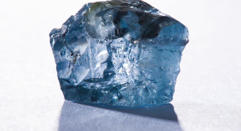العثور على ماسة زرقاء نادرة في منجم في جنوب أفريقيا