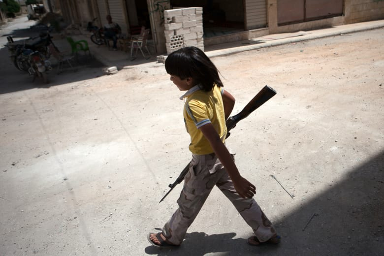 صحف: أصغر مجاهدي سوريا وقطر تصارع من أجل الغاز