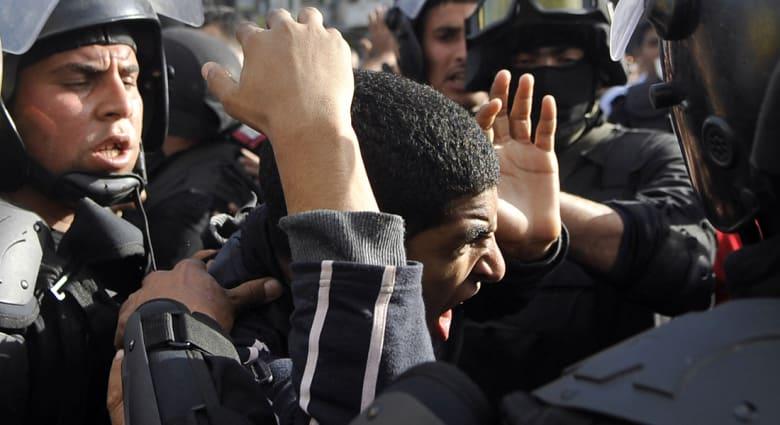 مصر.. عشرات القتلى والجرحى باشتباكات بين الأمن والإخوان