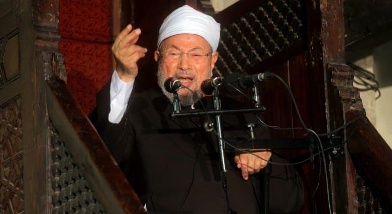 """القرضاوي: لا بد من مواجهة من أضاعوا مصر وإنقاذها من """"بلوى"""" الانقلاب"""
