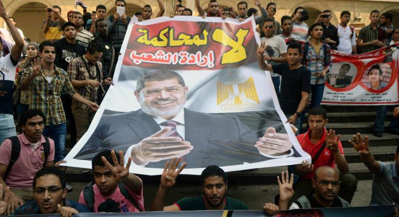 """محاكمة مرسي بقضية """"الهروب"""" علنية على تلفزيون مصر"""