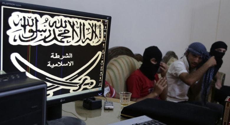 """نشطاء: """"داعش"""" تدعو مسيحيي الرقة للإسلام أو دفع الجزية"""