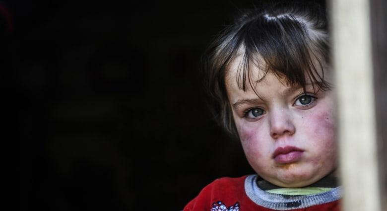 وصول 40 طن مساعدات للنازحين السوريين بالقامشلي
