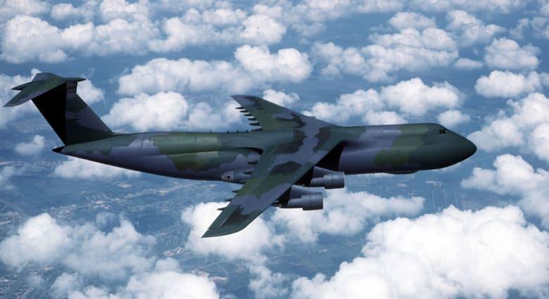 تحويل مسار طائرة عسكرية أمريكية فوق الأطلسي