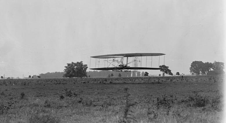 كيف كانت أقدم مطارات العالم؟