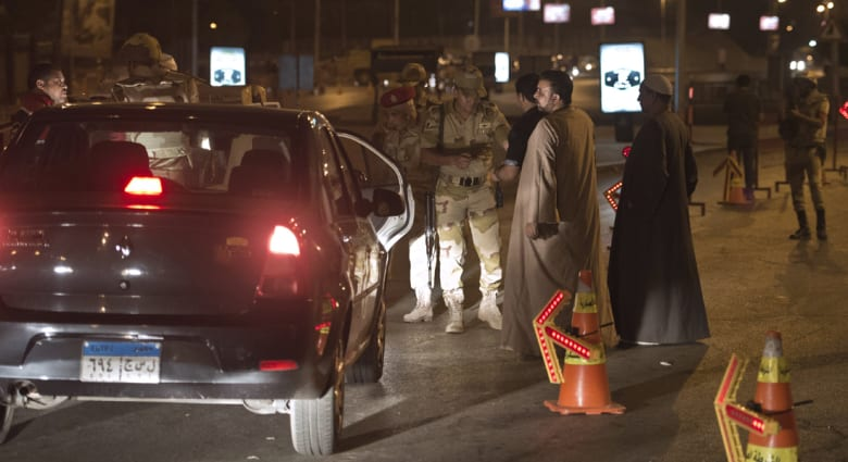 مصر: انفجار بأعلى جسر الجامعة باتجاه الجيزة