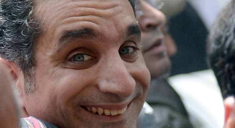 """بعد المقال """"المسروق"""" باسم يوسف يعتذر ويفسر ما جرى"""