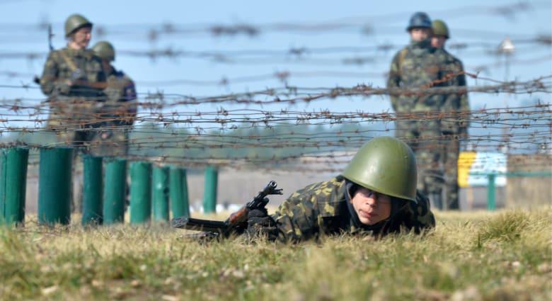 أوكرانيا .. انتهاء مهلة الرئيس للمسلحين واحتلال المباني مستمر